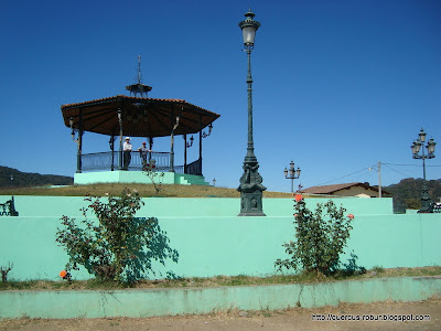Kiosco a la orilla de la carretera a Vallarta