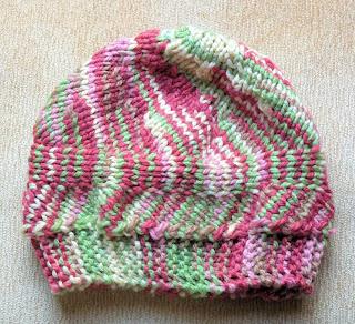 Bernat Mosaic Yarn Free Crochet Patterns : BERNAT ENVY YARN HAT PATTERN BEGINNER KNITTERS PATTERN