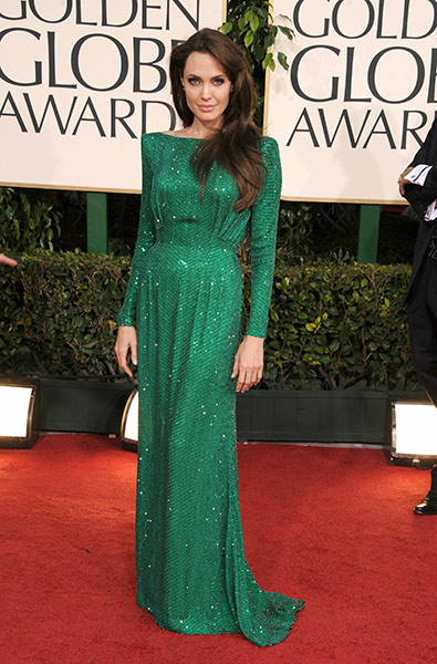angelina jolie golden globes 2011 red carpet