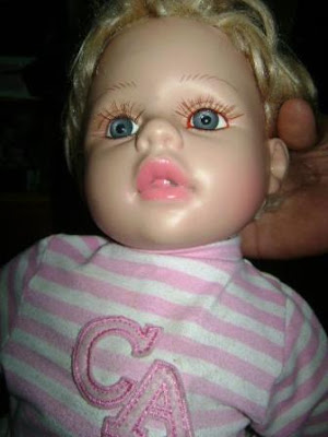 la muñeca que llora sangre, paola