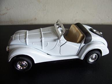 BMW 328, Año 1936 (auto a escala 1:36)