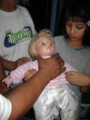 paola, la muñeca que llora sangre