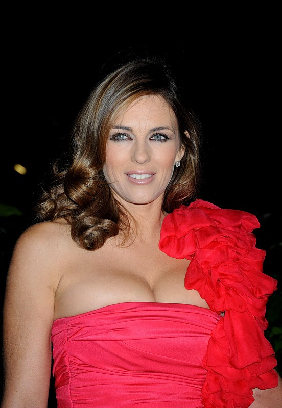 Liz Hurley Hot Photos