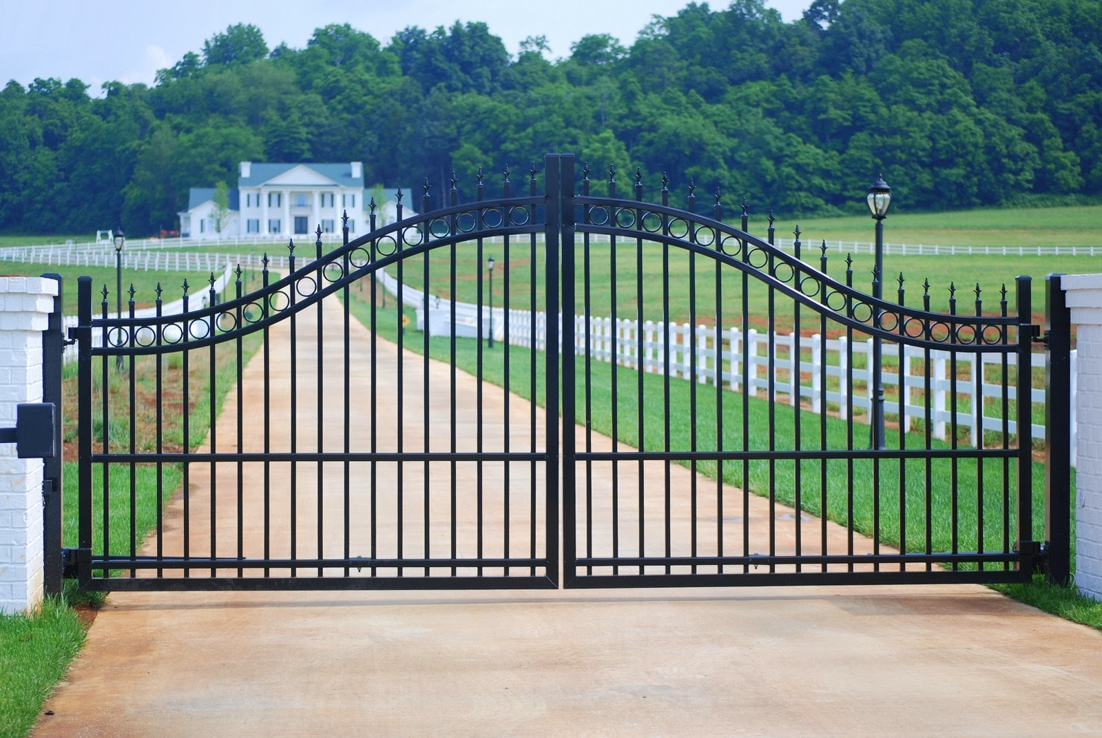 Ultra Aluminum Fencing Gates And Handrails Only People