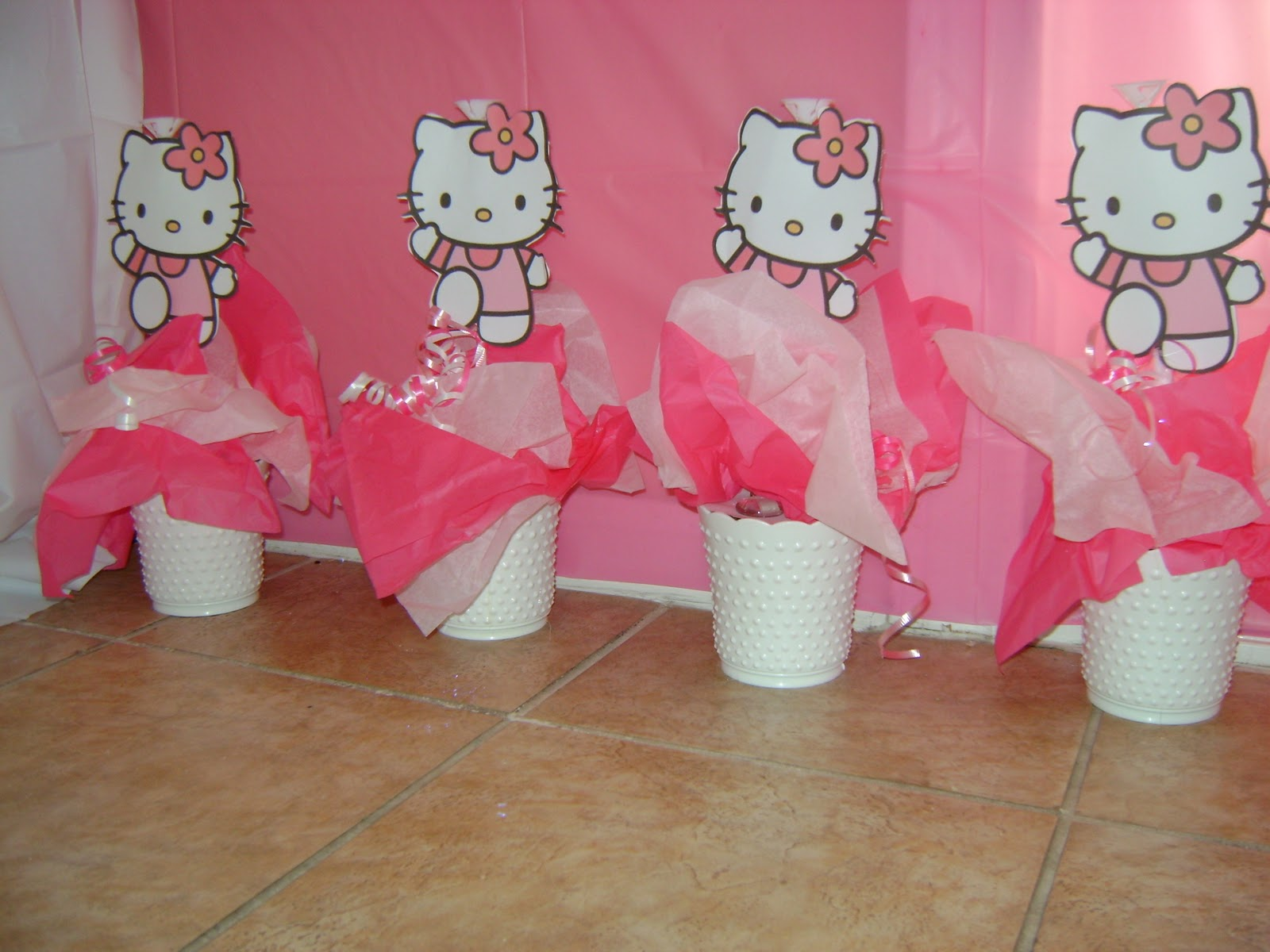 Cute and sassy designs by bonnie hello kitty centerpieces