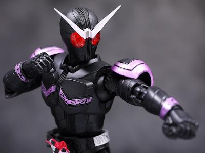SH FiguArts Kamen Rider Joker Review