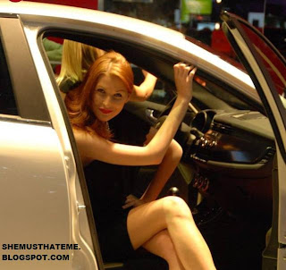 Model Cantik di Geneva Auto Show 2010 06
