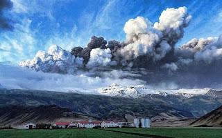Gunung di Islandia Meletus 5