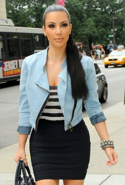 http://3.bp.blogspot.com/_5le3SJWkpbQ/TE9r4wqCVgI/AAAAAAAALrg/Xh8LR2PWRgA/s1600/kim-kardashian-fashion-mixing-trends-61-492x726.jpg