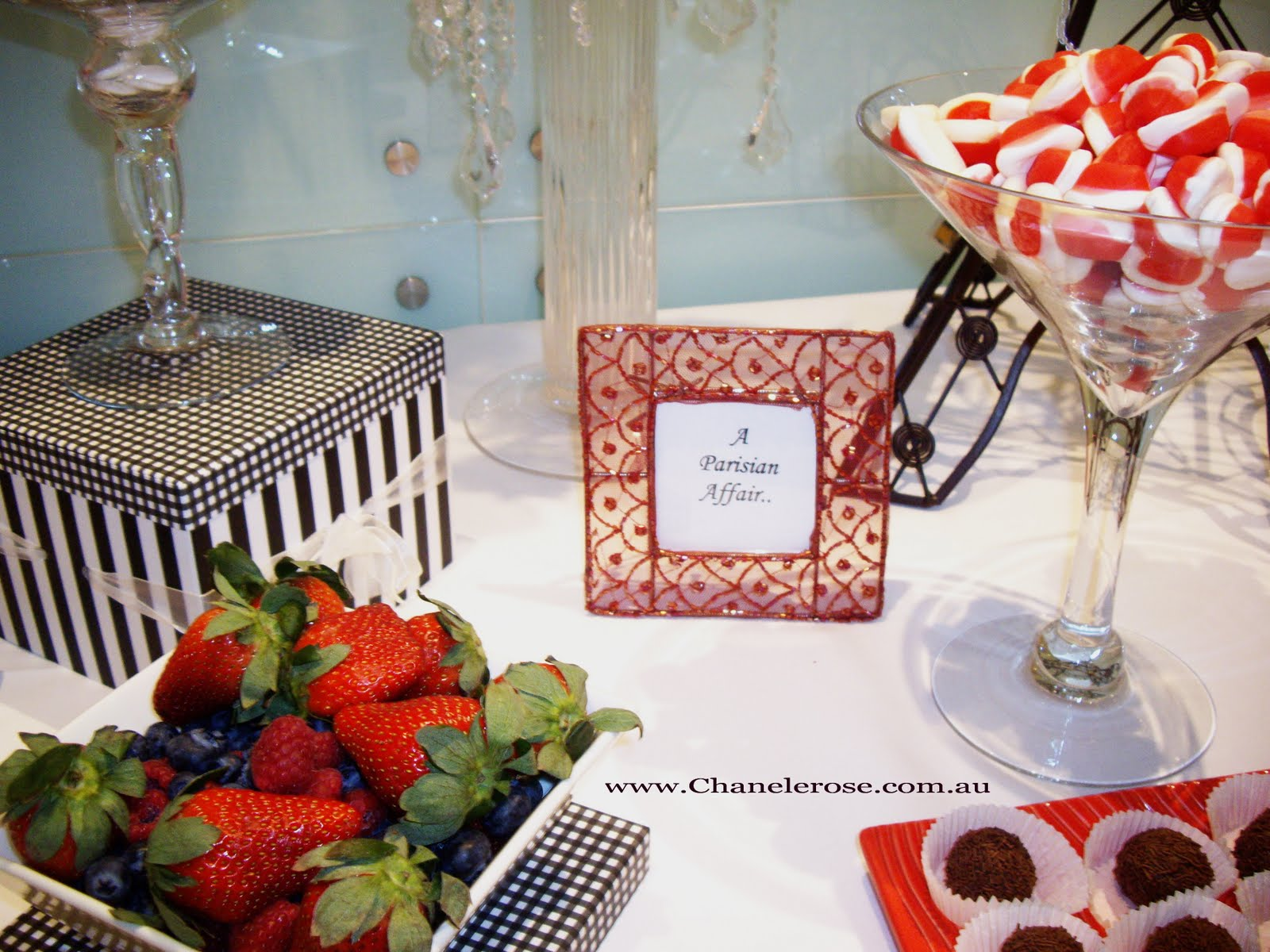 tin wedding anniversary gift ideas