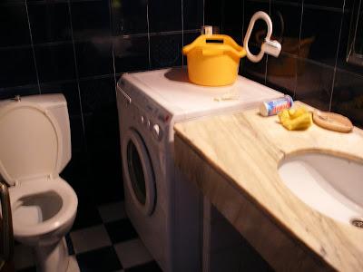 Teor as del absurdo el porqu de la lavadora en el cuarto - Lavadora en el bano ...