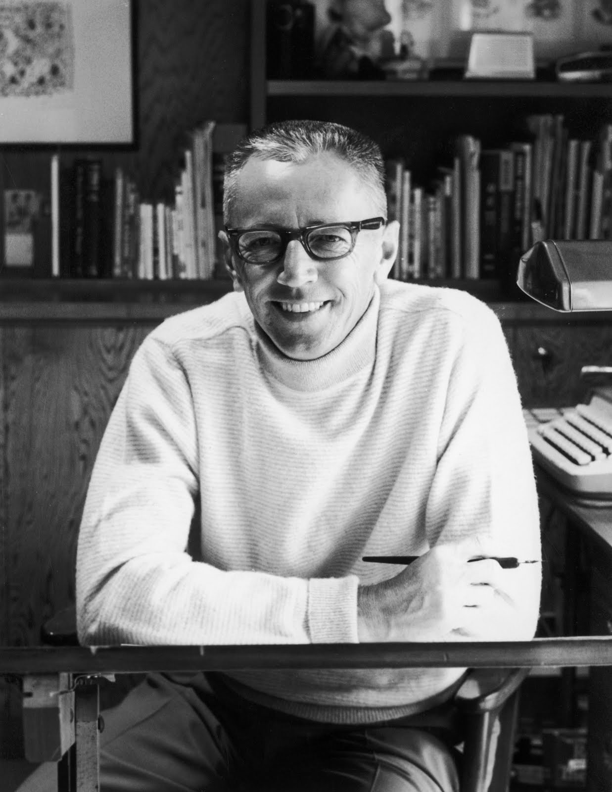 a short biography of cartoonist charles schulz Bill watterson is a renowned cartoonist he wrote a short note on the event of the wrote a review for the biography of cartoonist charles schulz titled.