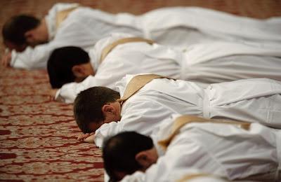 http://3.bp.blogspot.com/_5oSFVXeCQDQ/Sjq78KL-Y6I/AAAAAAAAIFs/io_cIN0oYZ8/s400/sacerdoti+3.jpg