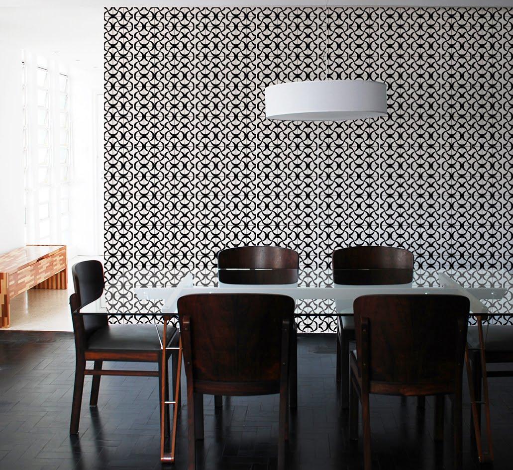 Nessa sala de jantar um efeito de optical arte muito interessante. #65463A 1031x945 Banheiro Com Azulejo Amarelo