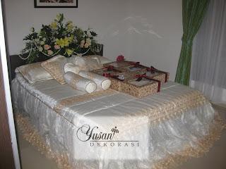 Dekorasi pelaminan yusan dan tata rias yusan griya for Dekorasi kamar pengantin di hotel