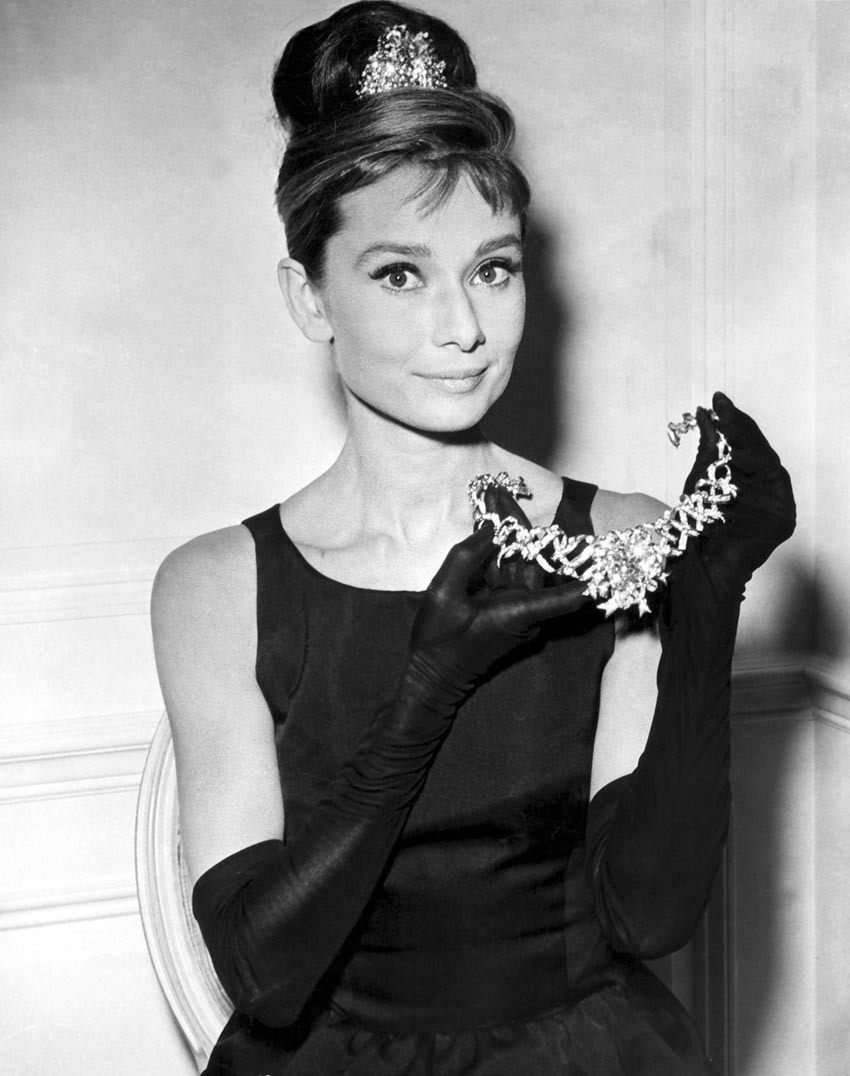 wallpapers photo art breakfast at tiffany 39 s audrey hepburn photos posters. Black Bedroom Furniture Sets. Home Design Ideas