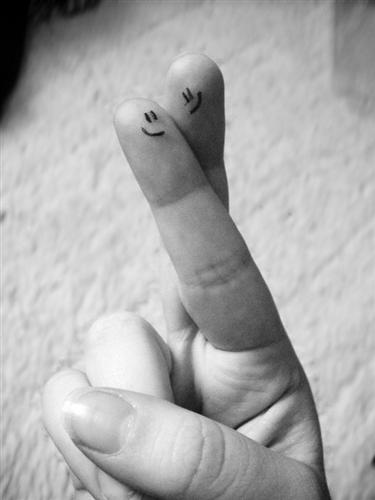 "Smiley+by+TenaciousDee 45 Gorgeous ""Smiley Fingers"" Photographs"