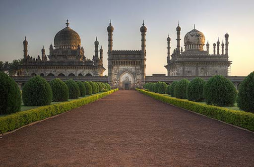 Ibrahim+Rauza,+Bijapur The Incredible India: 90 Spectacular Photos