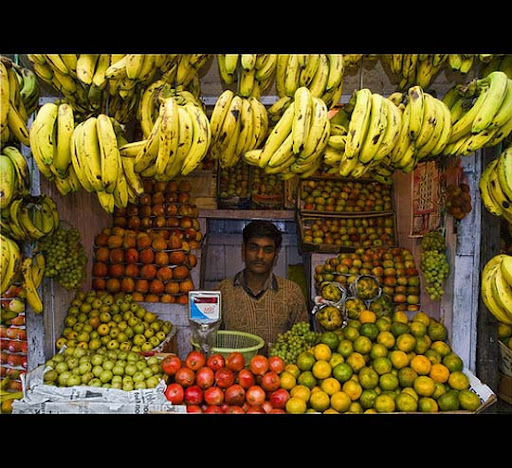 DARJEELING+fruit+stand+Gorkhaland+India The Incredible India: 90 Spectacular Photos
