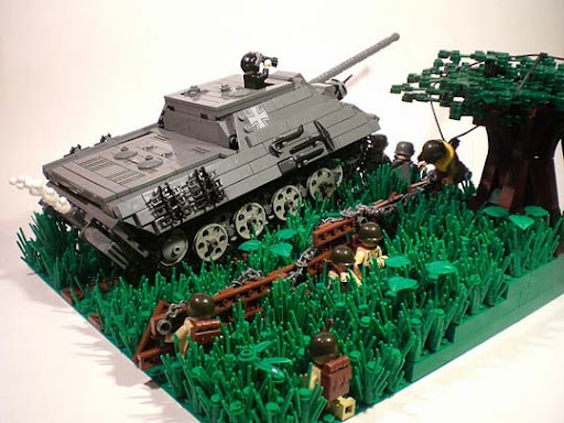 Finding+Cover 50 Incredibly Creative LEGO Creations