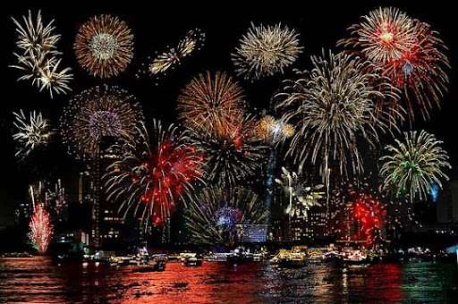 Cho+Phraya+River,+Bangkok,+Thailand 60+ Jaw Dropping Examples of Fireworks Photography