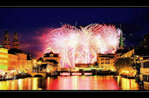 HDR+explosion 60+ Jaw Dropping Examples of Fireworks Photography
