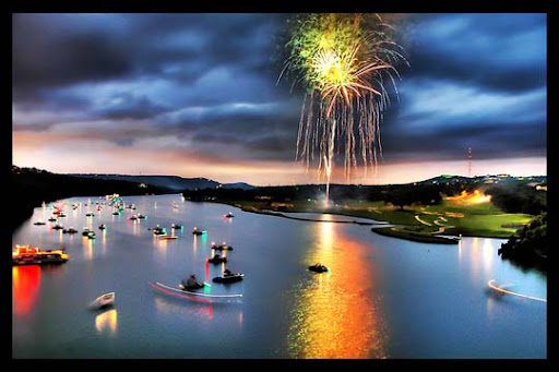Particolored+Skies 60+ Jaw Dropping Examples of Fireworks Photography