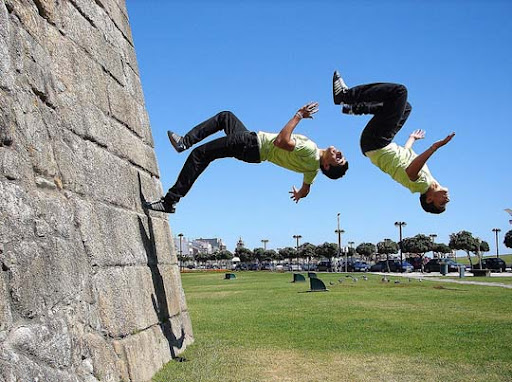 WallFlip+in+Povoa+de+Varzim+ +Portugal 40 Stunning Sequence Photography Examples