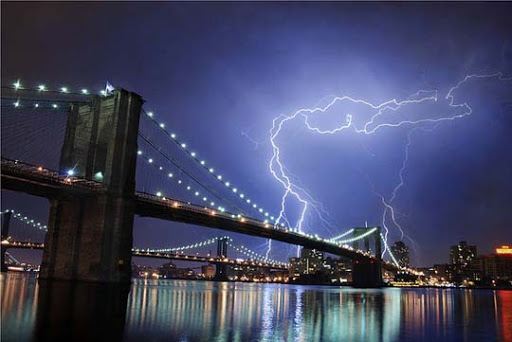 Manhattan Striking and vivid Examples of Lightning Photography