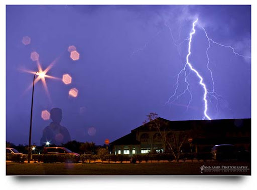 Misteri+Nusantara Striking and vivid Examples of Lightning Photography