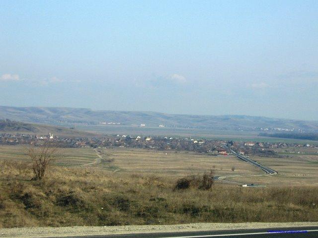 Vedere a comunei Rogova din dealul Starmina