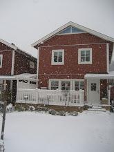 Hej mitt Vinterland. Vårt hus i snöyran.