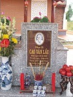 Lăng mộ cố nhạc sĩ Cao Văn Lầu