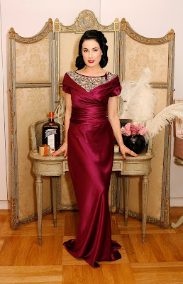 Dita Von Teese In A Slinky Dress