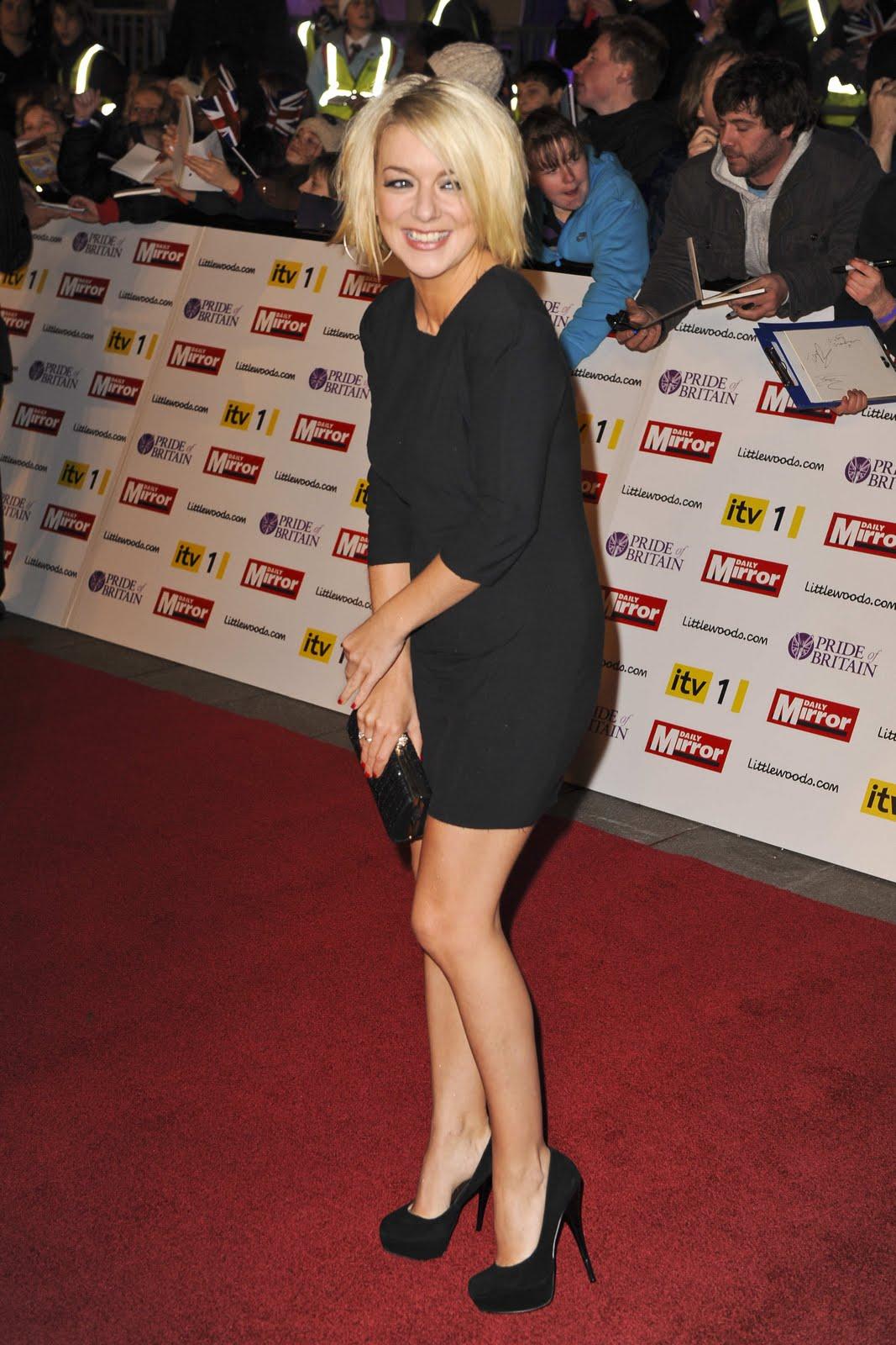 http://3.bp.blogspot.com/_5wt45Sgxoi8/TNpyXmy8ESI/AAAAAAAAEQA/qKTvfRiUGMA/s1600/sheridan_smith_little_black_dress_2.jpg