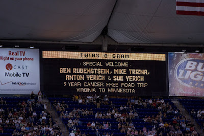 Personal message on Metrodome screen congratulating Ben Rubenstein on cancer-free