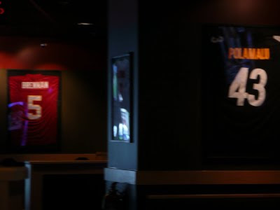 Buffalo Wild Wings in Hawaii displaying Hawaiian football players