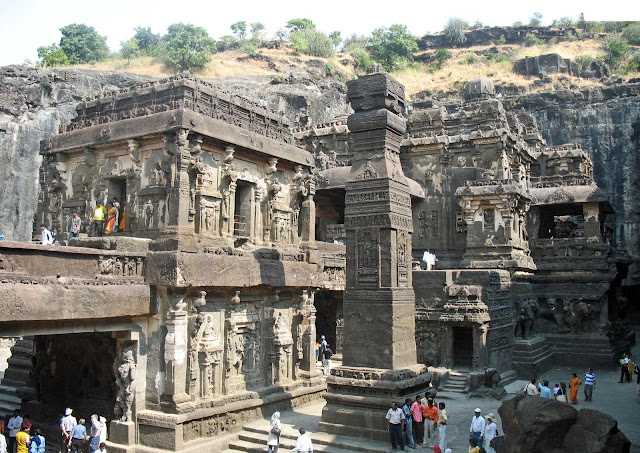 carved stone temple of Kailashnath
