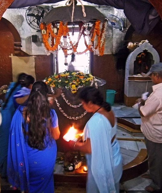 Women praying in Shiva temple