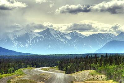 http://3.bp.blogspot.com/_5xnPWKo15Zs/SHlTXK7XN4I/AAAAAAAAAtM/rVnrkDE7pm4/s400/Alaska-ahead.jpg