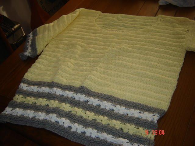 Camisola feita em crochê