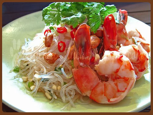 THAI FOOD: Yum Woon Sen