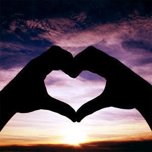 http://3.bp.blogspot.com/_5zyRqB27z5I/TR_Ckb5cHCI/AAAAAAAAKjM/jWdlRdYSSr0/s320/heart_in_the_sky-1804.jpg