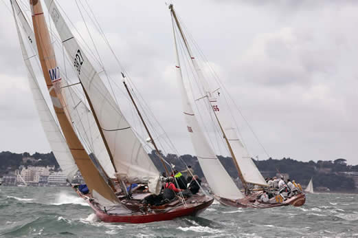 Competitors at the British Classic Yacht Club Panerai Cowes Regatta 2010 ...
