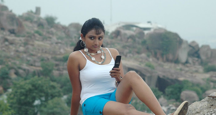 waheeda spicy in white shorts in thakita thakita glamour  images