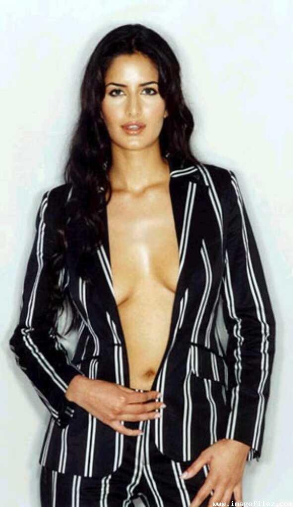 pictures of katrina kaif in bikini. Katrina Kaif Bikini Pics
