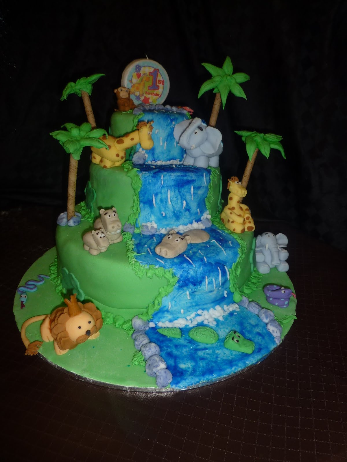 Jungle Birthday Cake Images : Deb s Cakes and Cupcakes: My son s 1st Birthday Jungle Cake