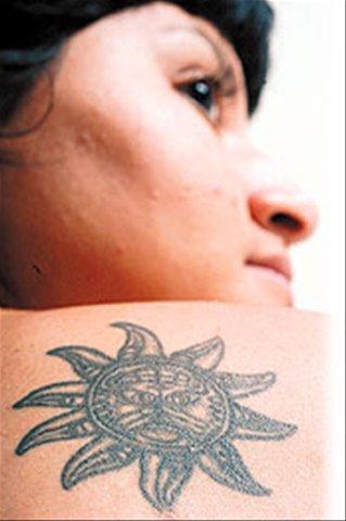 Son adolescentes regordetes tatuados