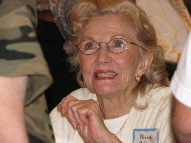 Phyllis Coates Net Worth
