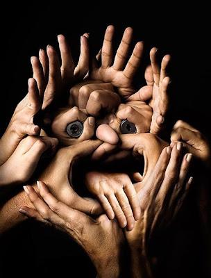 [SONDEOS]¿Quieres de regreso a Pikafeo? 784-awesome-hands